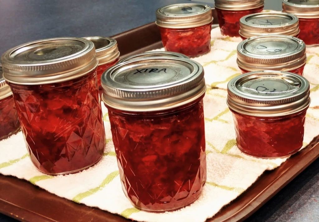 ways to preserve vegetables and fruit from your garden making jelly or jam